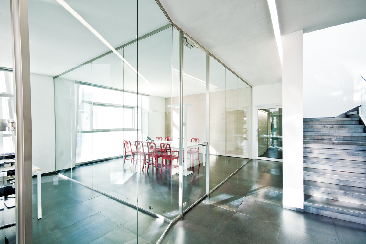 Effetre Scurelle Designer Demountable Fitted Wall Partitions For Offices Glass Partitions