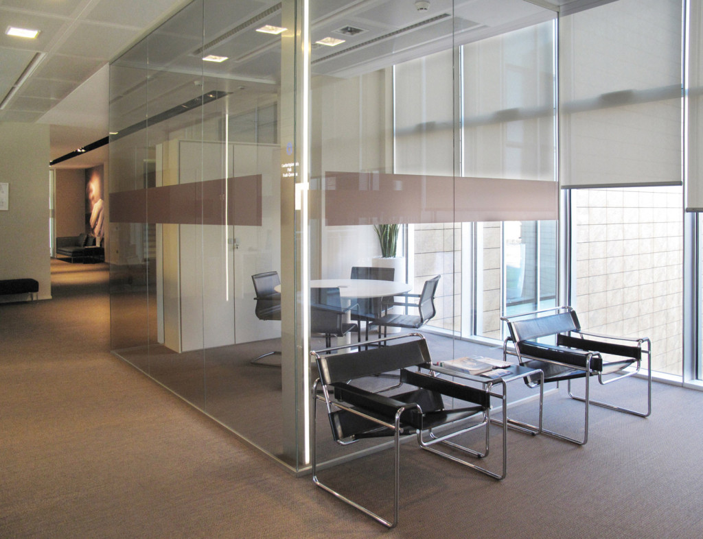 Confartigianato cesena designer demountable fitted wall for Sliding glass partitions home