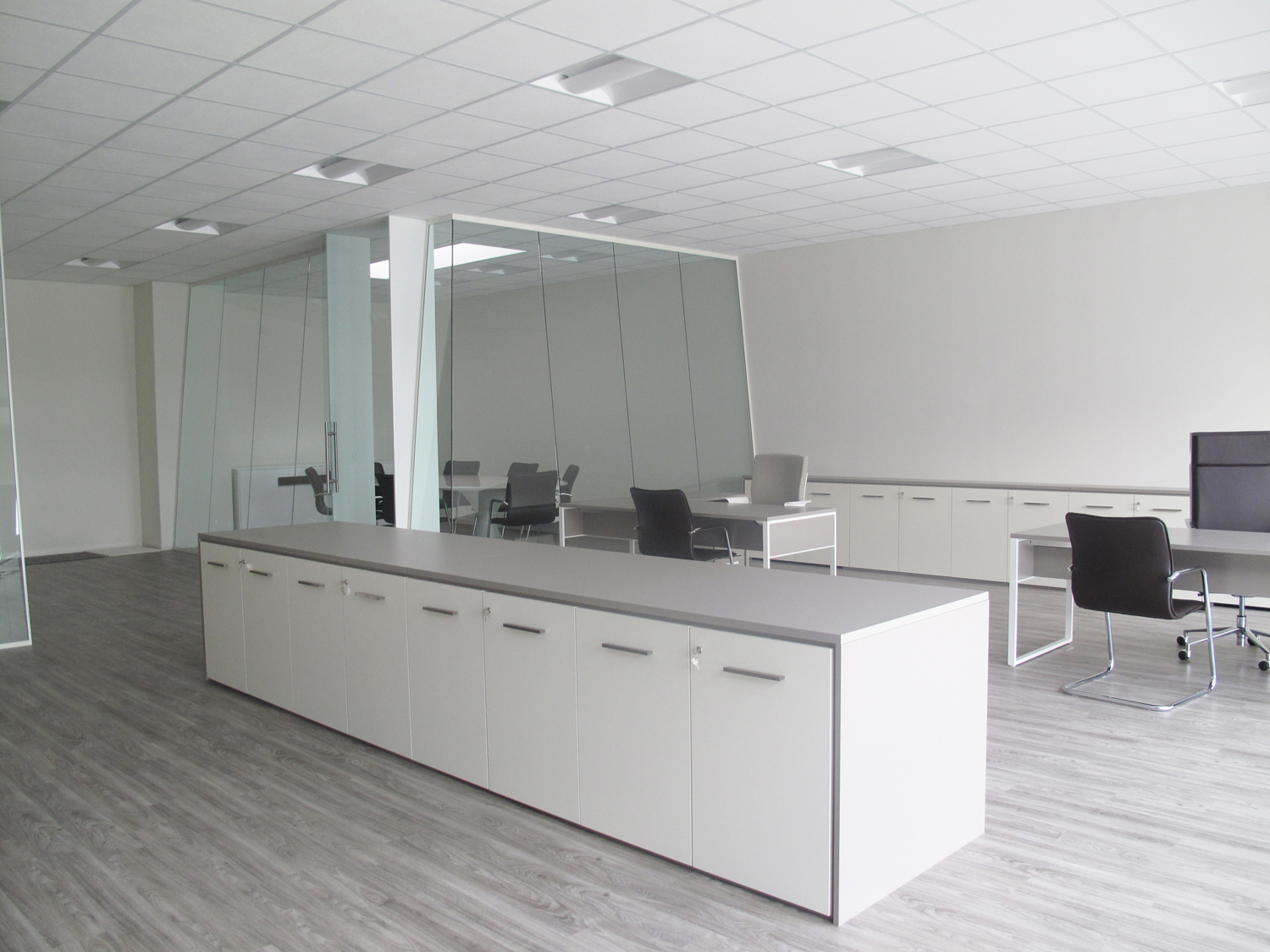 Picture of: Partition Wall Glass Office Partitions Sliding Doors Aluminium Interior Demountable Wooden Walls Internal Glazed For Designer Geocarta3 Designer Demountable Fitted Wall Partitions For Offices Glass Partitions And Wood Partitions Designed And