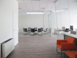 partition-wall-glass-office-partitions-sliding-doors-aluminium-interior-demountable-wooden-walls-internal-glazed-for-designer-IMG_5817