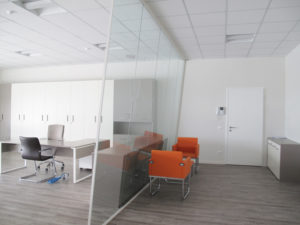partition-wall-glass-office-partitions-sliding-doors-aluminium-interior-demountable-wooden-walls-internal-glazed-for-designer-IMG_5818