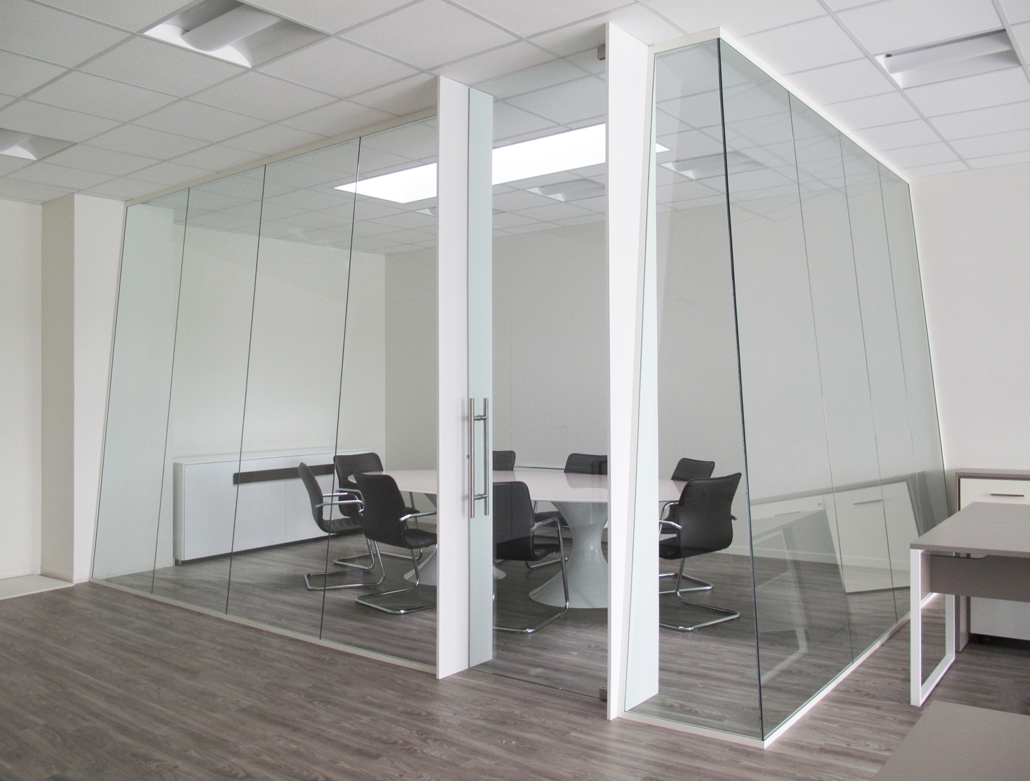 Geocarta Designer Demountable Fitted Wall Partitions