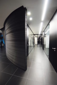 partition-wall-glass-office-partitions-sliding-doors-aluminium-interior-demountable-wooden-walls-internal-glazed-for-designer-UFFICI-DI-BERGAMO_5