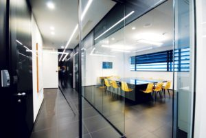 partition-wall-glass-office-partitions-sliding-doors-aluminium-interior-demountable-wooden-walls-internal-glazed-for-designer-UFFICI-DI-BERGAMO_6